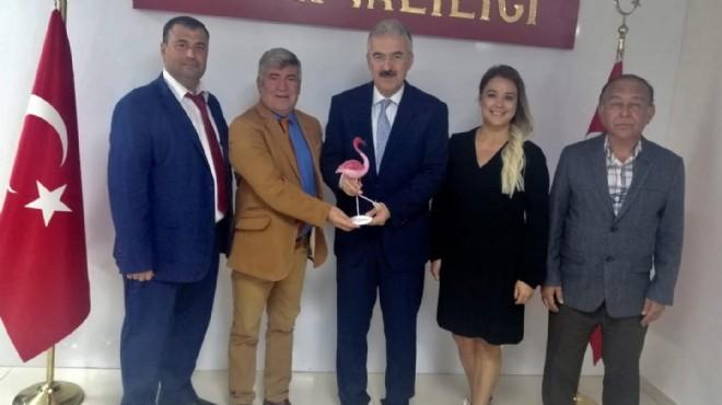 İzmir Valisi'nden flamingolara destek