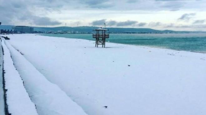 İzmirliler dikkat! Sahil bandına kar uyarısı
