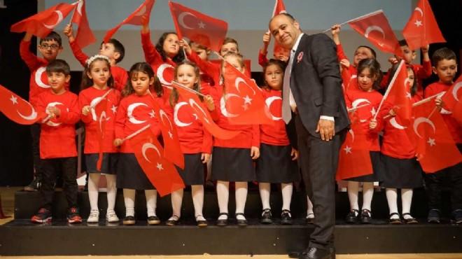 Karşıyaka'da İstiklal Marşı'nın kabulü için coşkulu tören