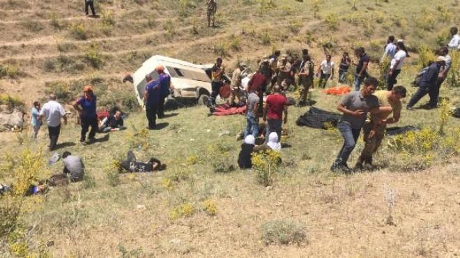 Katliam gibi kaza: 16 kişi can verdi!