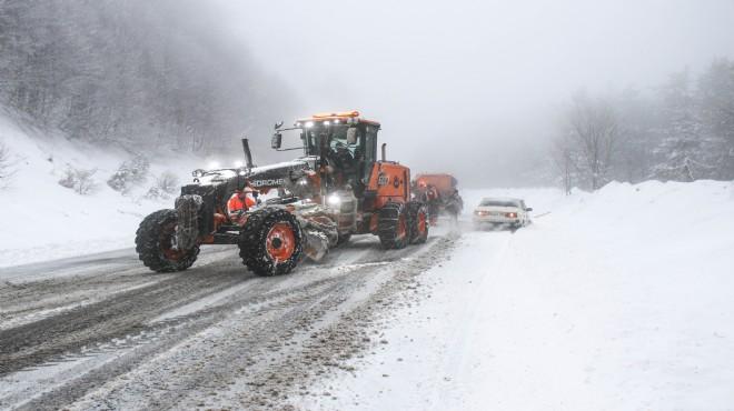 Kütahya'da etkili kar yağışı!