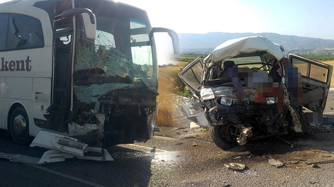 Manisa'da feci kaza: Çok sayıda ölü ve yaralı var!