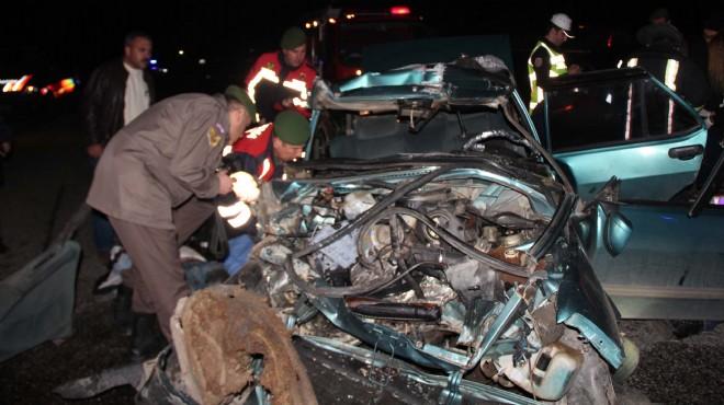Manisa'da feci kaza: Ölüler ve yaralılar var!