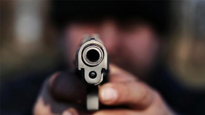 Manisa'da kanlı düello: Silah tutukluk yapınca...