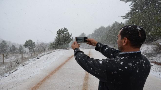 Manisa'ya mevsimin ilk karı düştü
