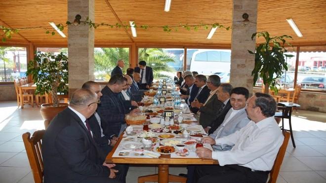 Menemen Kaymakamı Yiğit'ten Bakırçay Rektörü onuruna kahvaltı