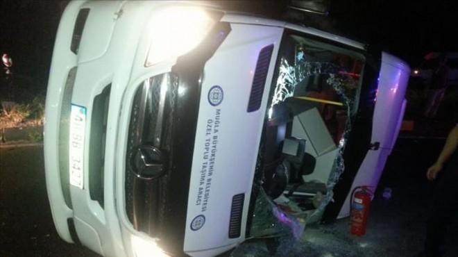 Muğla'da minibüsle otomobil çarpıştı: 14 yaralı