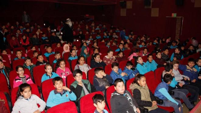 Ödemiş'te öğrencilere ücretsiz sinema
