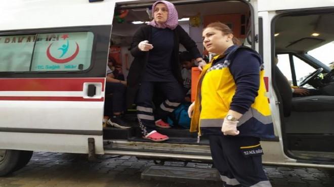 Öğrenci servisi otomobile çarptı: 8 yaralı