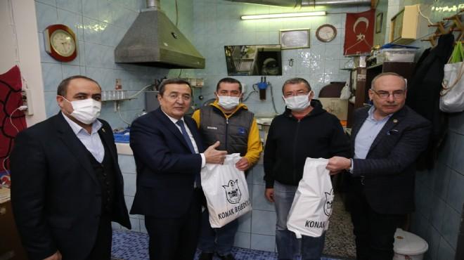 Söz verdi, yerine getirdi: Çaylar, şekerler Başkan Batur'dan!