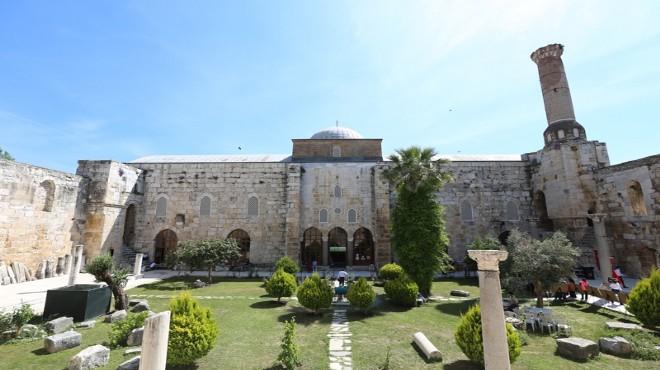Selçuk'ta tarihi güzellikte Ramazan etkinliği