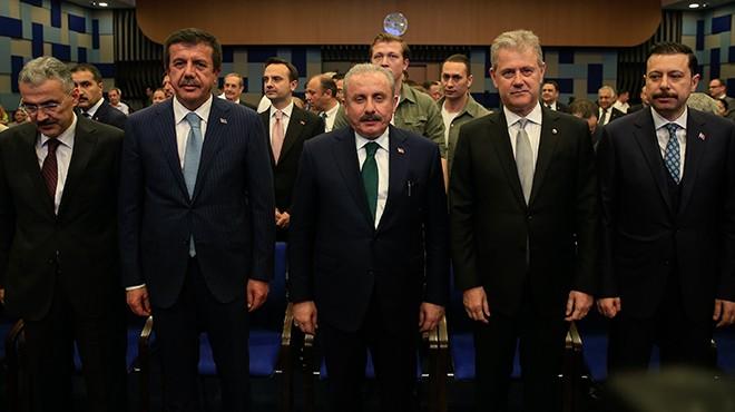 Meclis Başkanı Şentop'tan İzmir'de mesaj seli: Dünyada yeni bir düzen kuruluyor!