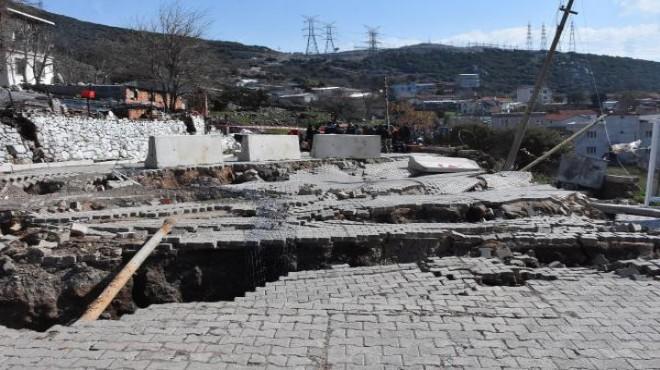 Toprak kaydı, evler boşaltıldı... İzmir'de korkutan görüntü!