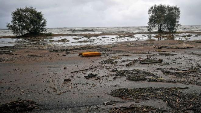 Tropik fırtına Yunanistan'ı felç etti!