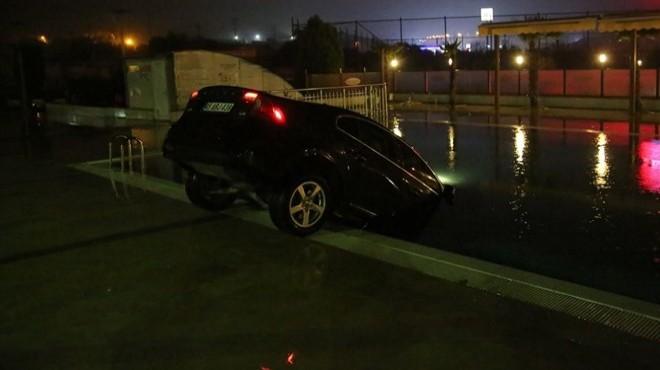 Turgutlu'da ilginç kaza: Havuzda araba var!