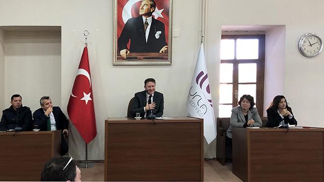 Urla Belediyesi'nde esnaf zirvesi: 'Kaldırım işgaline son verin' çağrısı!