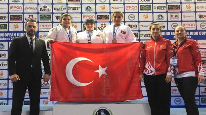 Judocu Yağmur, İzmir'in gururu oldu